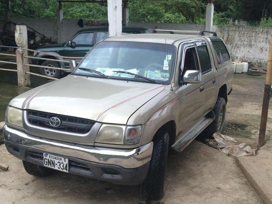 Toyota Hilux 2005 - 125000 km