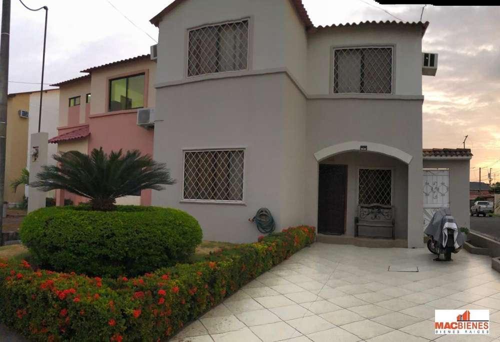 Venta de Casa en Villa Club - Etapa Aura
