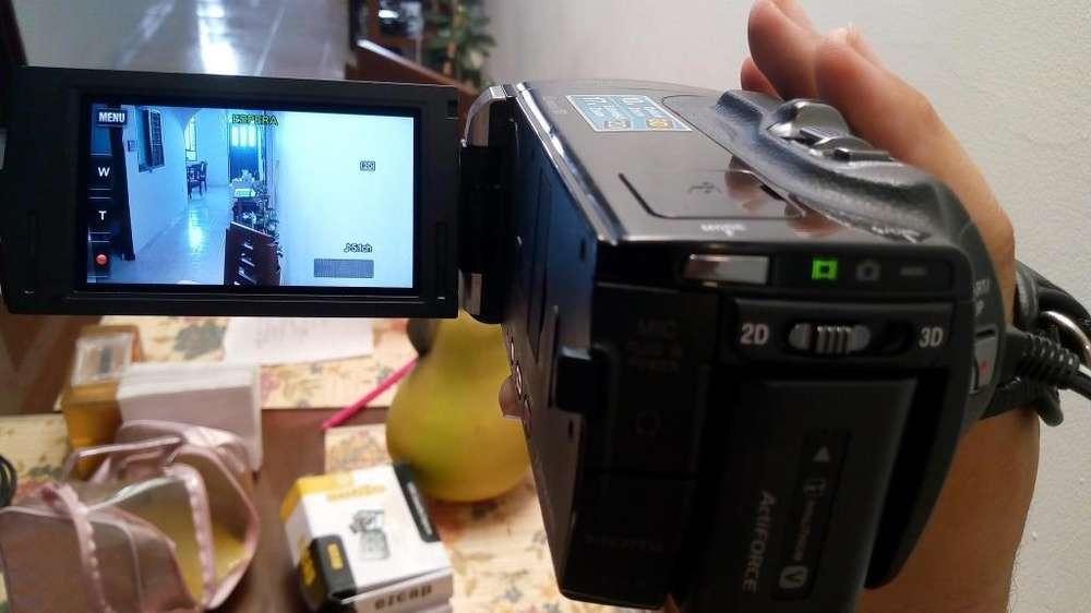 Vendo Camara Sony HDR TD 10