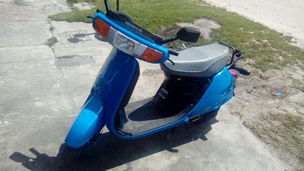Vendo Urgente por Viaje!!! <strong>scooter</strong> Honda Lead NH-80 Japon Original Mod 93