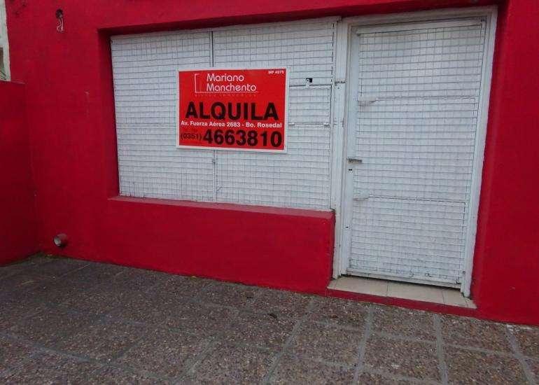 Local comercial sobre Avenida Pueyrredón. Ideal barbería, estética, maxi quiosco, vinoteca.-