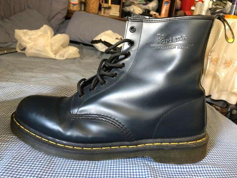 Botas Borcegos Dr. Martens 11821 AW004 Talle US12, Nuevos, Traídos de UK