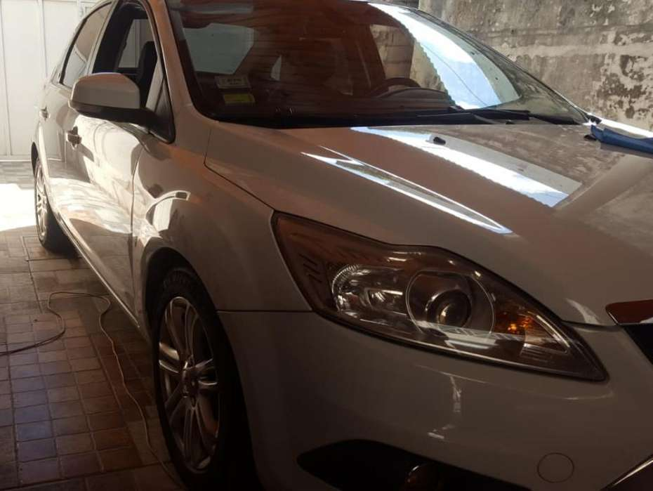Ford Focus 2010 - 120 km
