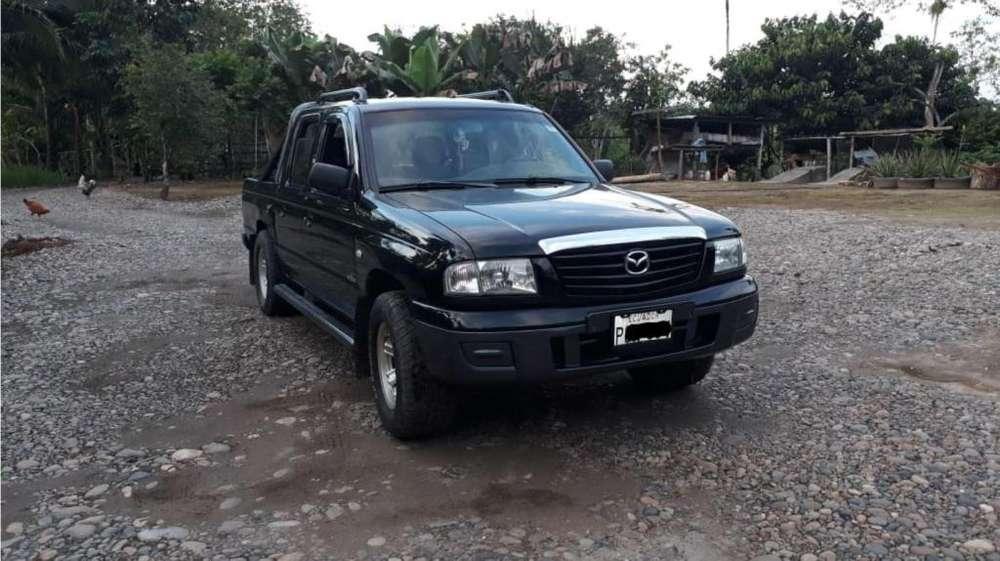 Mazda B 2200 2007 - 200000 km