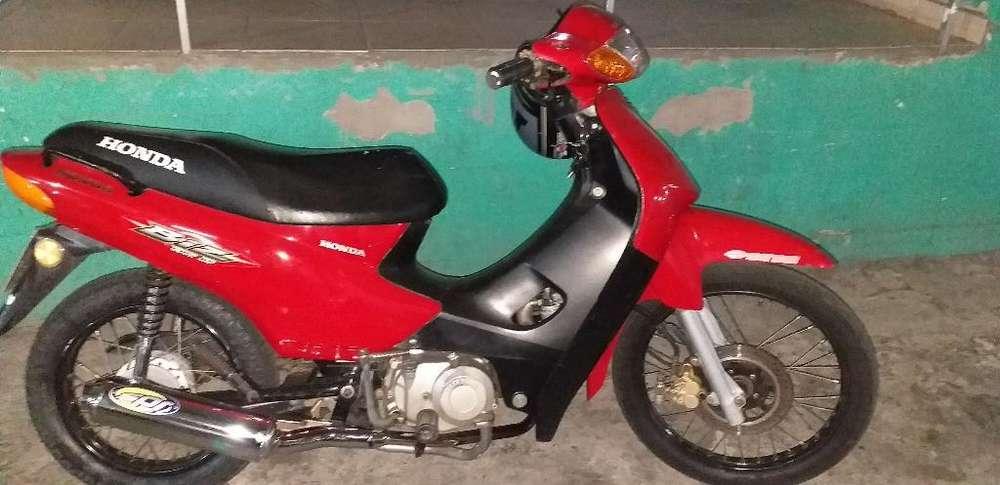 Honda Biz 2001.. Roja.. Hermosa