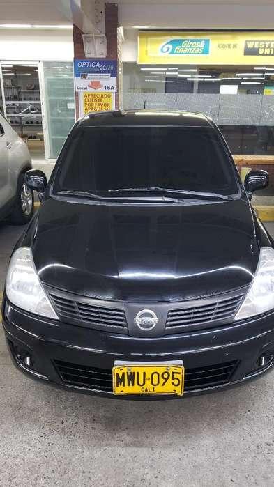 Nissan Tiida 2013 - 92000 km