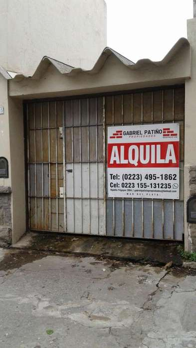Cochera para 8 vehículos apróx // Jujuy y Falucho