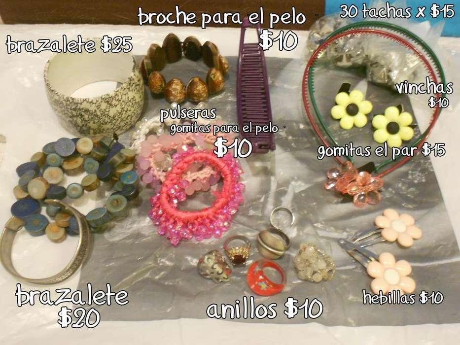 ACCESORIOS pulseras, anillos, vinchas, tachas, gomitas, hebillas, broches para el pelo