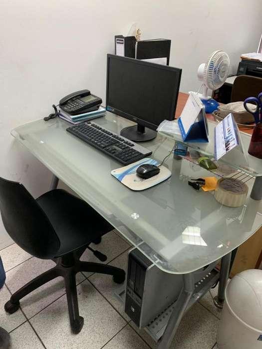 Gra Remate de Muebles de Oficina