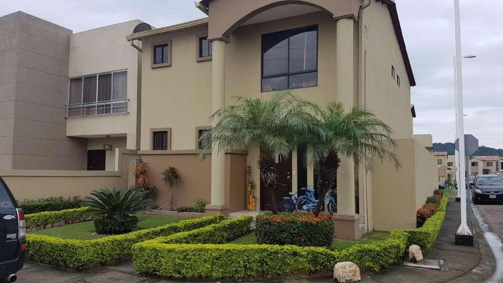 Villa Club Vendo Casa 4 Habitaciones