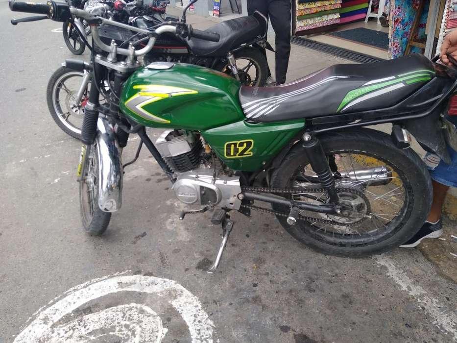 Vendo Moto Ax 115 con Todo Al Dia Placa