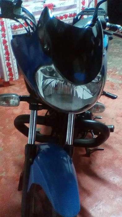Vendo Moto Discovery 100 Color Azul