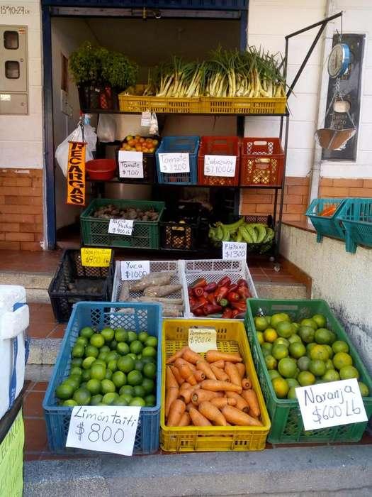 Vendo exhibidor verduras nevera y canastillas