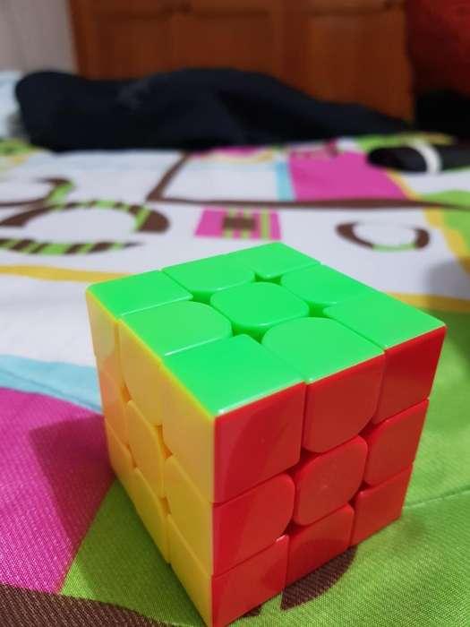 Cubo Rubik de Competencia