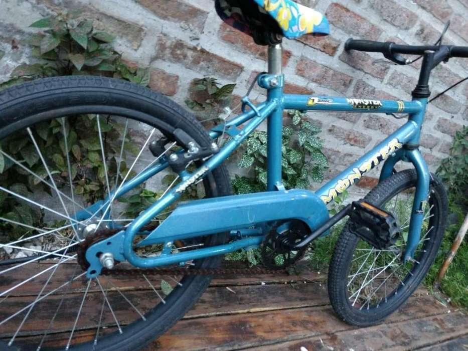 Bicicleta infantil en excelente estado