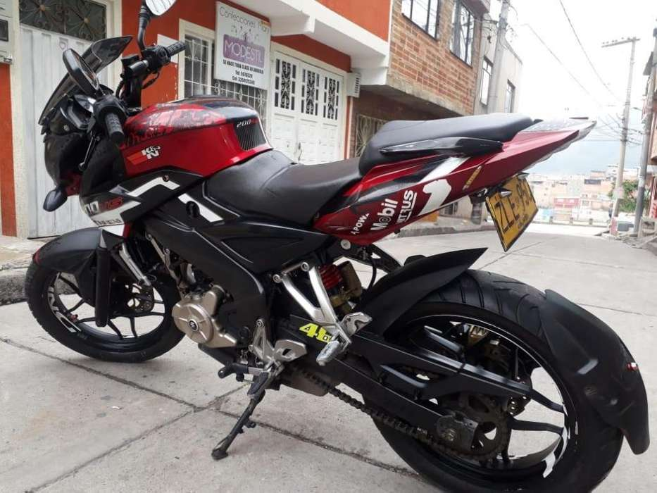 PULSAR NS 200 2014