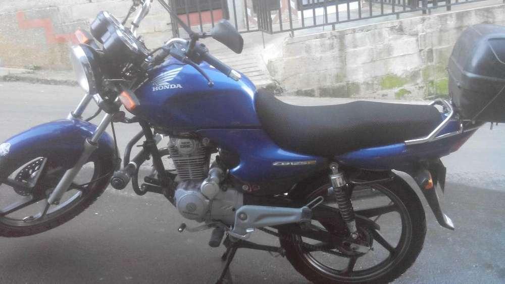Se Vende Moto Cb
