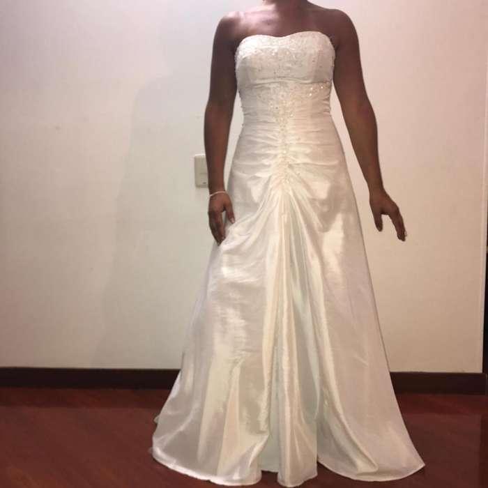 0b42a1601 Vestidos de novia colores  Ropa en venta en Colombia