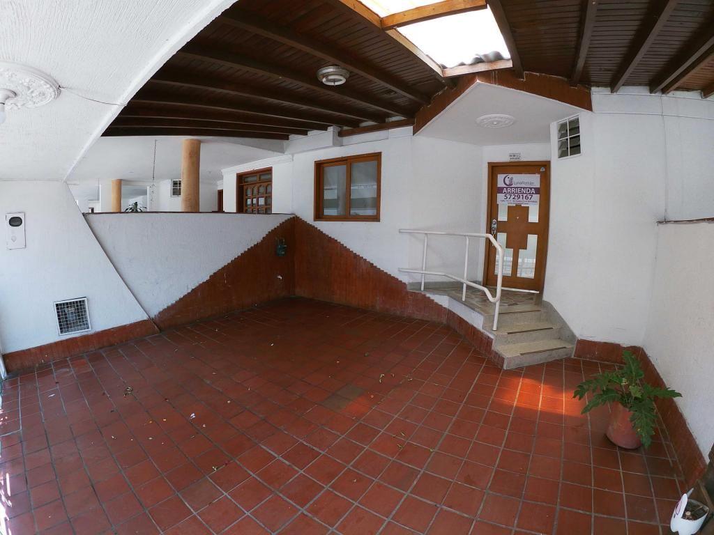Se Arrienda Casa en Av. Libertadores , Código: 885