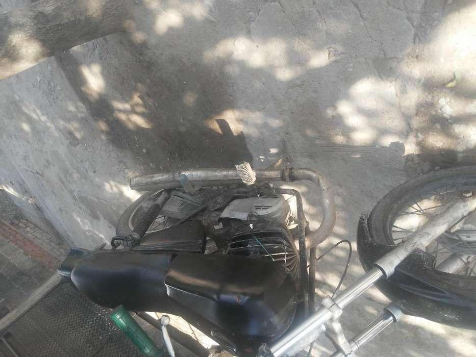 Vendo <strong>moto</strong> Zanela 200 en Exelent Estadi