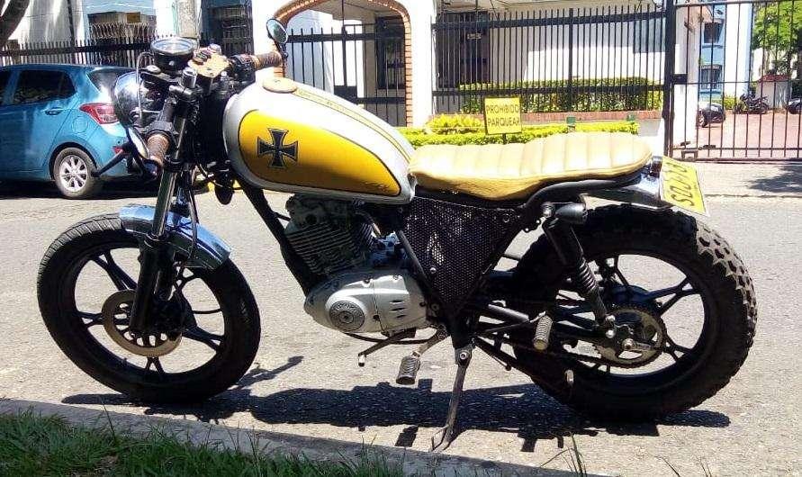 Motocicleta Suzuki GN-150 Repotenciada.