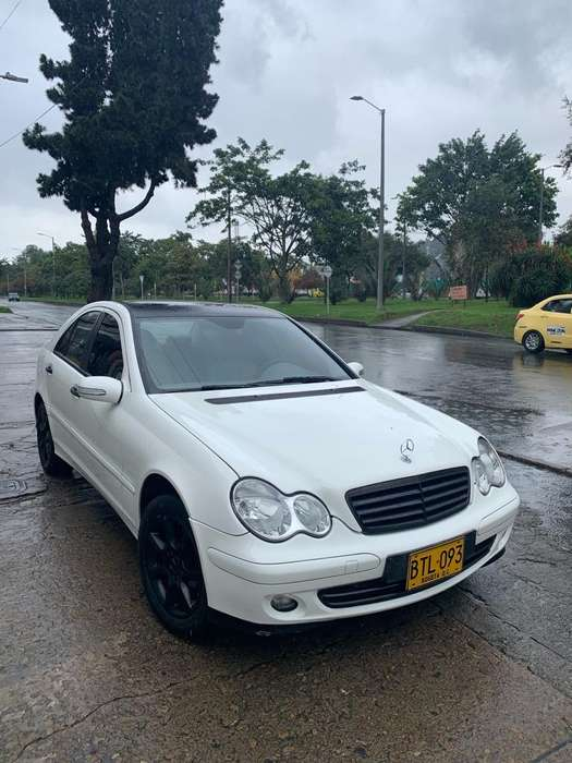 <strong>mercedes-benz</strong> Clase C 2006 - 159000 km