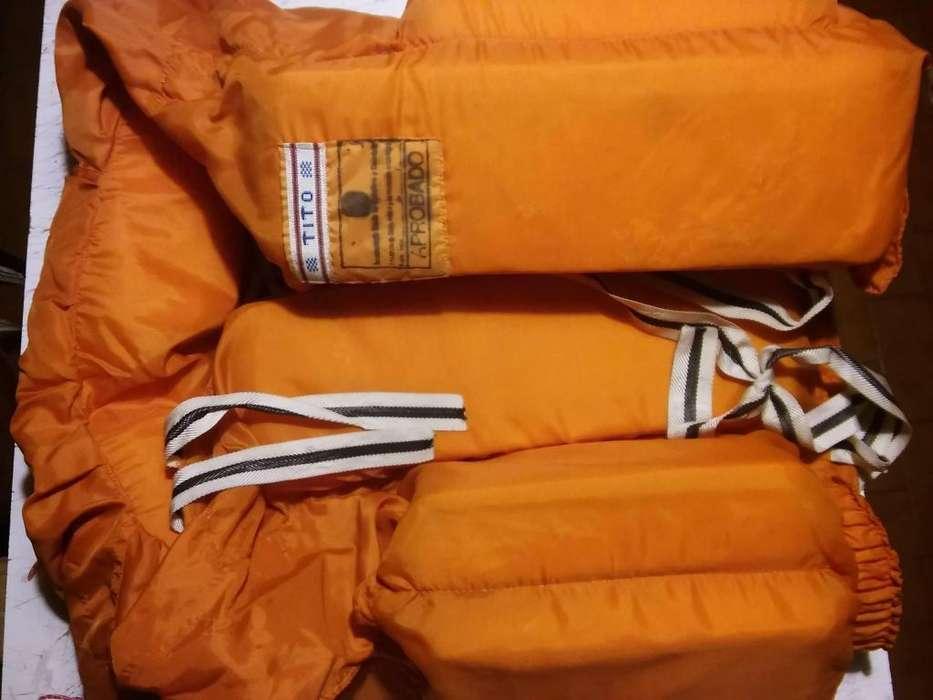 chaleco salvavida naranja