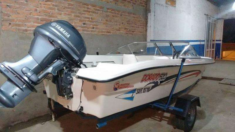 vendo lancha DORADO 520 CON motor YAMAHA 40 CEL 3144178904
