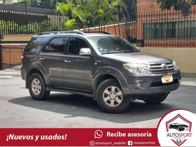 Toyota Fortuner 2011 - 145000 km