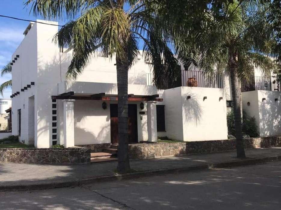 Casa 3 dormitorios en Villa Centenario