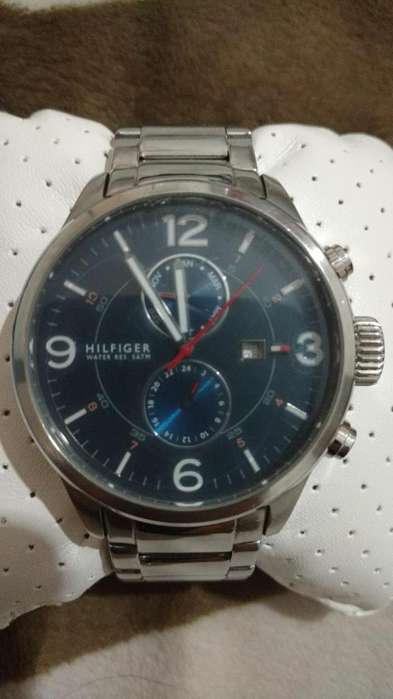 Reloj Tomy