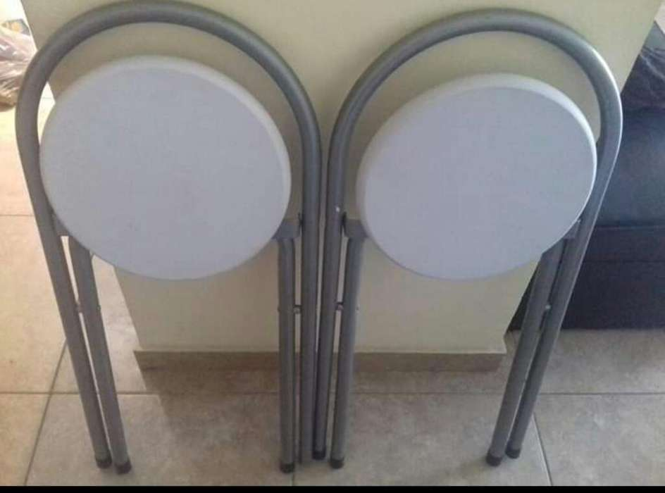 <strong>silla</strong>s de Caño Nuevas Impecables