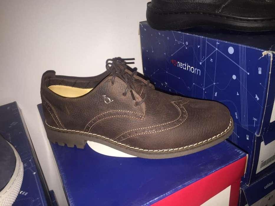 zapato de cuero marca Red Horn
