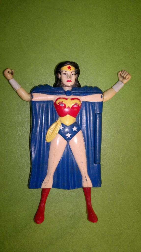 JUGUETE DE LA MUJER MARAVILLA !!! Y PROMO CON SUPERMAN !!!!