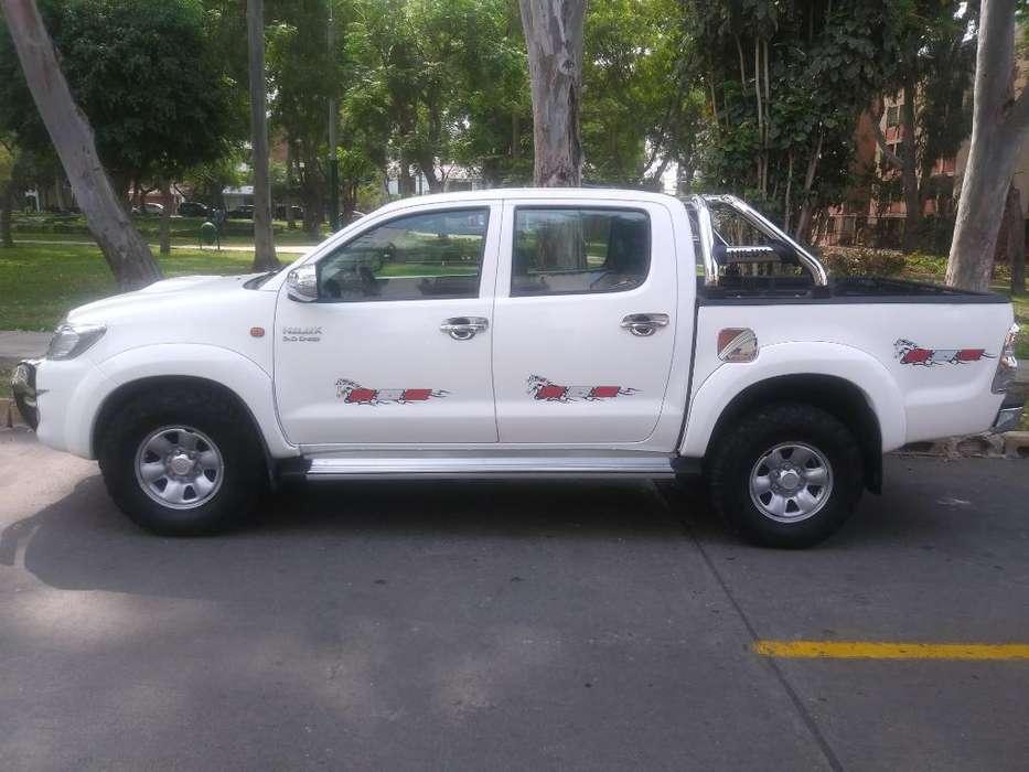 Toyota Hilux 2012 - 82000 km