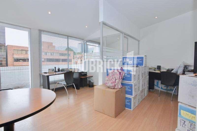 Oficina En Arriendo/venta En Bogota Chico Reservado Cod. ABMUB1419