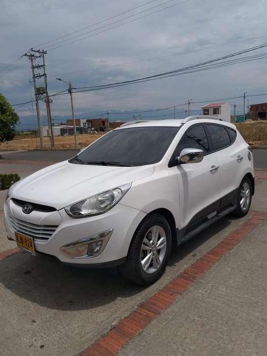 Hyundai Tucson ix-35 2013 - 98000 km