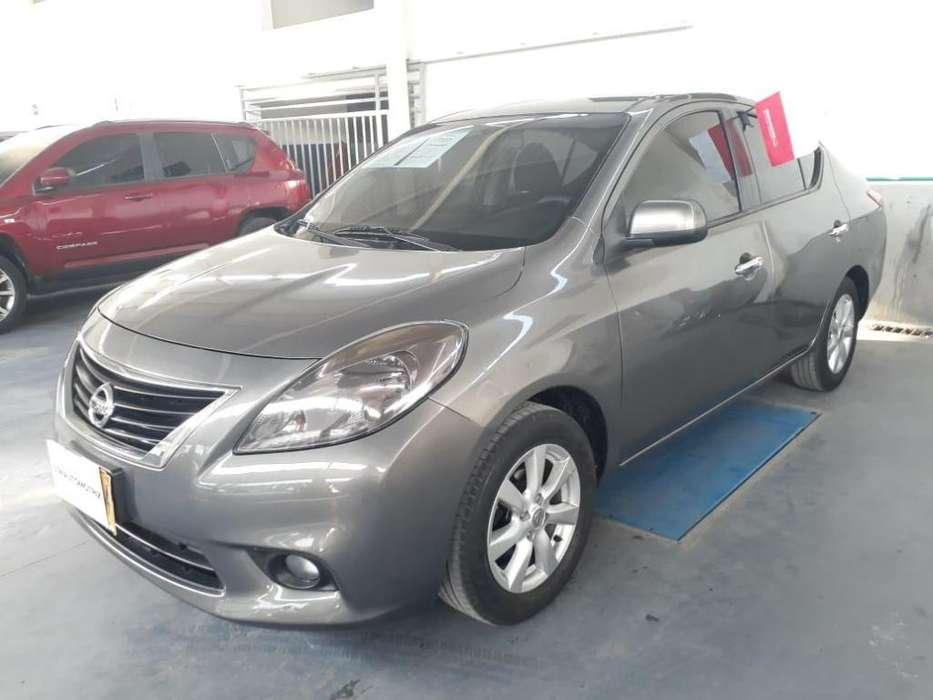 Nissan Versa 2013 - 42000 km