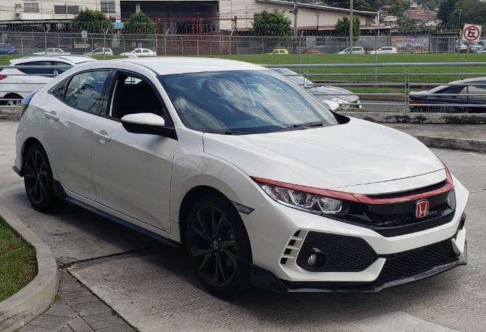 Honda Civic 2018 - 7082 km
