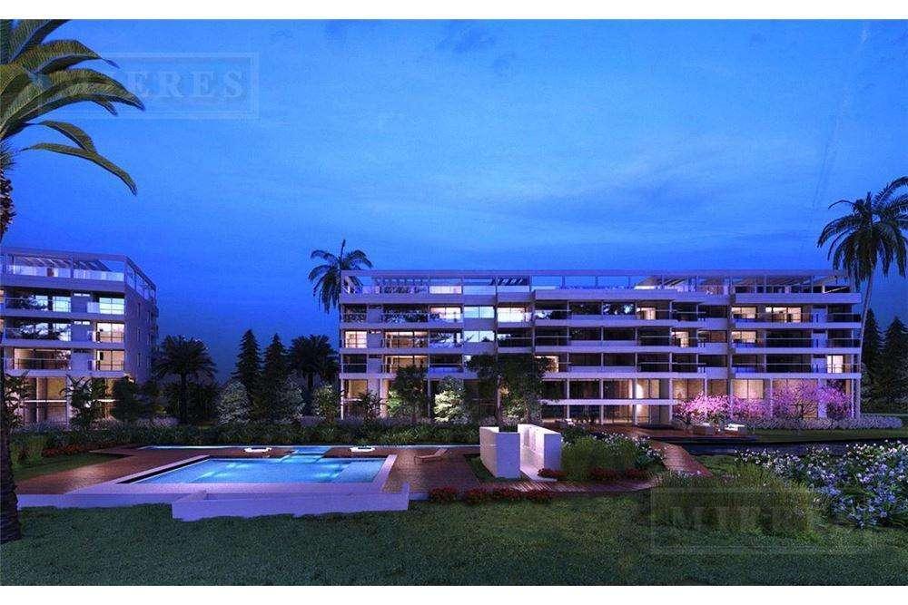 Venta 2 ambientes con cochera Hilton Residences