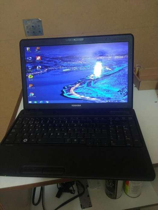 Laptop Toshiba Económica en Perfecto Est