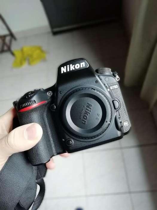 Camara Reflex Nikon D750