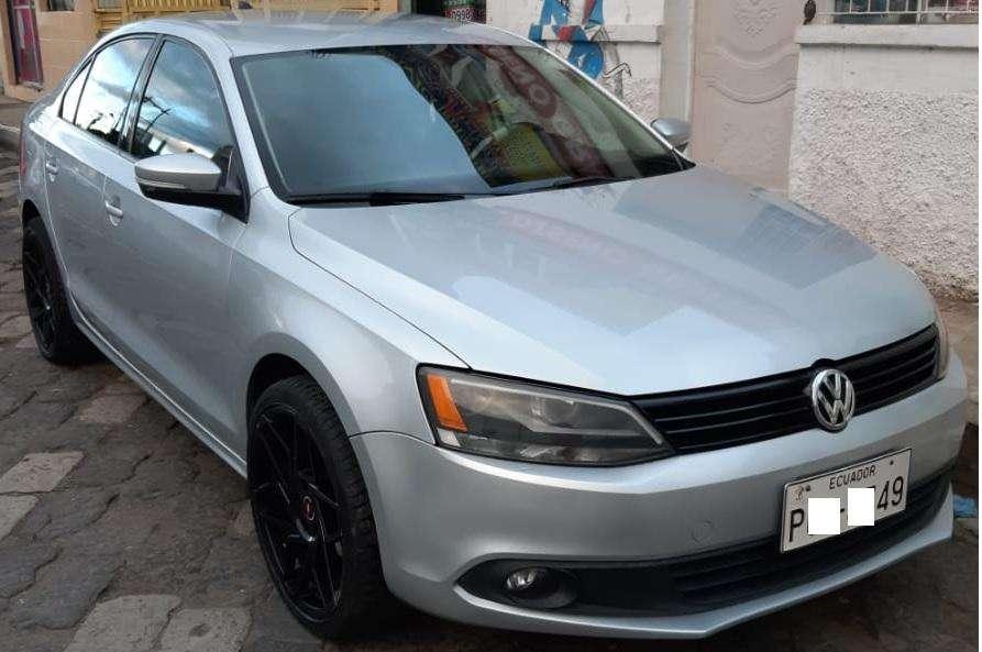 Volkswagen Jetta 2014 - 75000 km