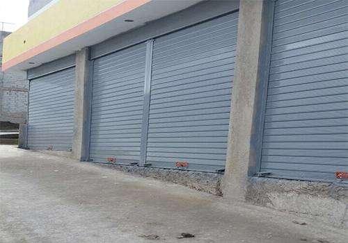 Mantenimiento y reparación de esteras o puertas enrollables