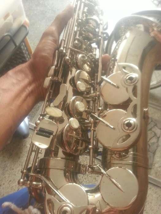 Ocacion Saxofon de Usa, marca es de francia