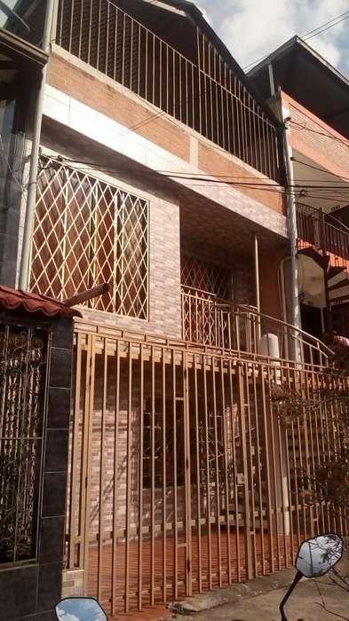 Cod. VBPYC31253 Casa En Venta En Cali Urbanización La Base