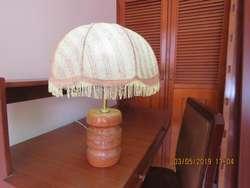VENDO Lampara para mesa de noche usada