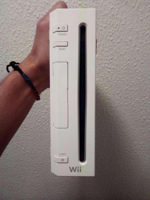 Nintendo Wii Completo. con Dos Nunchuks.