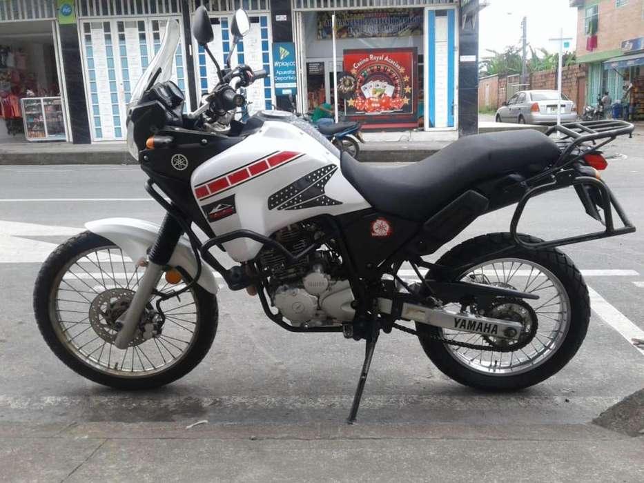 MOTO <strong>yamaha</strong> TENERÉ 250 cc MODELO 2014