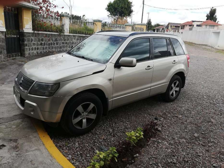 Chevrolet Grand Vitara SZ 2011 - 200 km